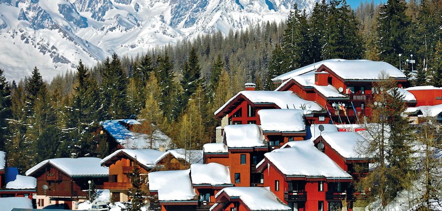 France_La-Plagne_Plagne-Lauze-Apartments_Exterior-winter2.jpg
